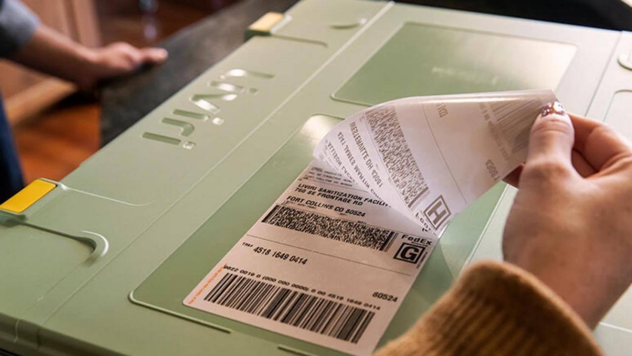 Liviri box shipping label