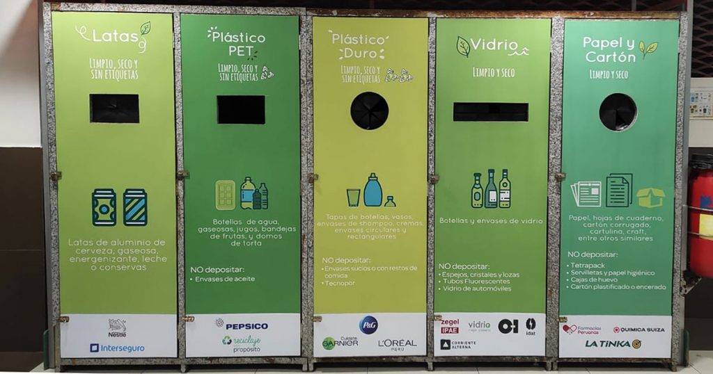 Plaza Vea has recycling stations at their stores to make recycling convenient for shoppers. (Credit: Plaza Vea)