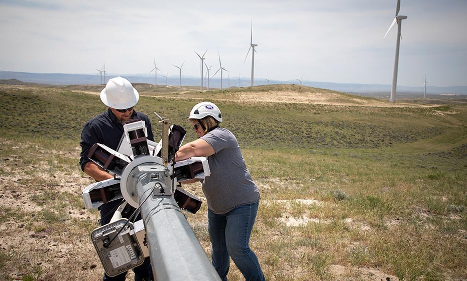 Macormic and lead turbine technician Woody Ricker