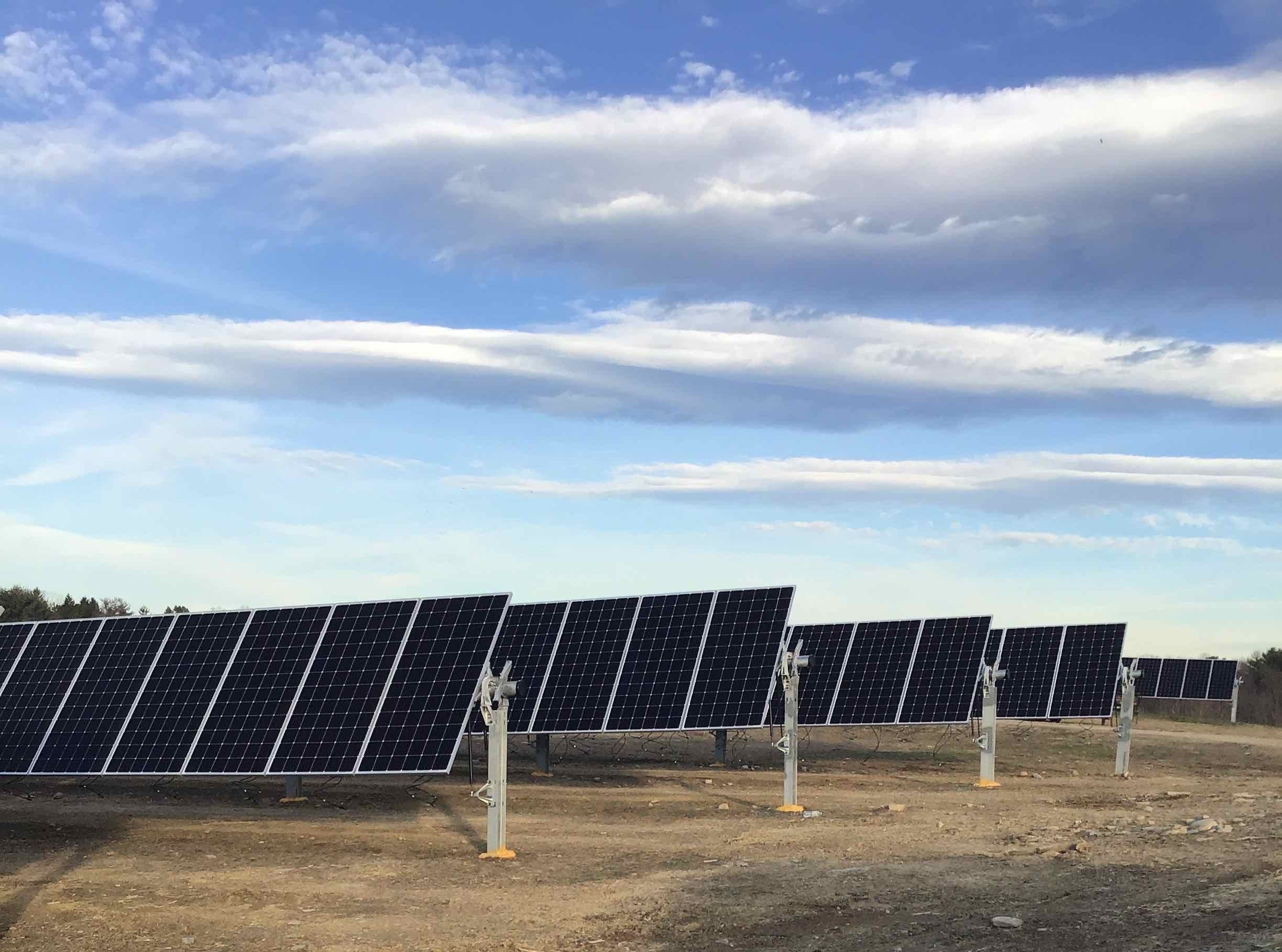 A community solar project funded by Generate and Starbucks provides clean power and energy storage capacity in Dutchess County, New York. Image credit: Cypress Creek Renewables