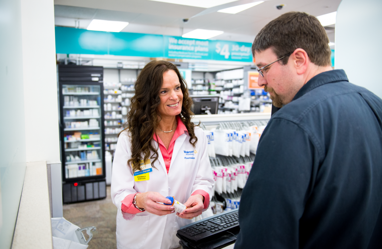 pharmacist talking to client