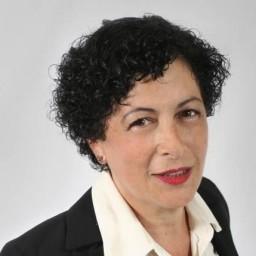 Tina Casey headshot