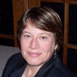 Ellen Delisio headshot