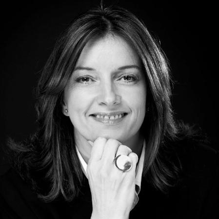 Susan Avarde headshot