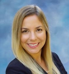 Danielle Grenier headshot