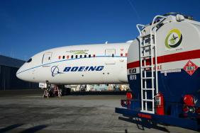 Boeing Commits to Deliver Commercial Airplanes Ready to Fly on 100% Sustainable Fuels Image.