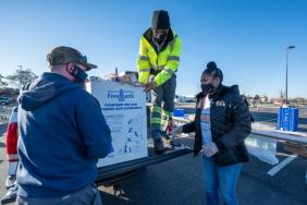 Smithfield Foods Contributes 80,000-Pound Protein Donation for 24th Annual Mayflower Marathon Food and Fund Drive Image.