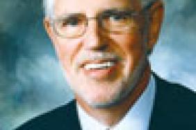 SAE International Executive Vice President/COO Morris Announces Retirement Image