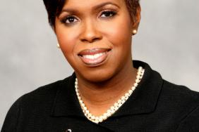 ING Foundation President Rhonda Mims Named One of Four Winners of PR News' CSR Executives of the Year Award Image