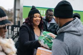 International Paper Provides Funding to Feeding America Image
