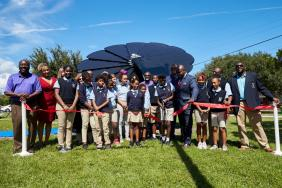 """Mohawk Group Installs Latest Smartflower at Florida School as Part of Commitment to """"Handprints Over Footprints"""" Image"""