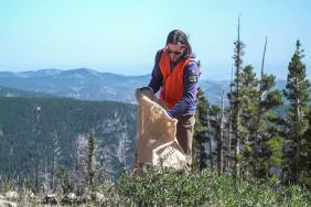 Subaru of America Takes Part in Series of Environmental Clean-Up Events Image
