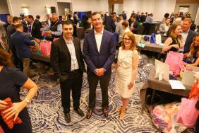 OppenheimerFunds Supports Chicago Community During Distribution Symposium Image