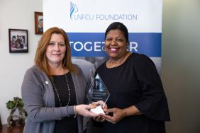 Long Island City Community Leader Cynthia Davis Receives the 2018 UNFCU Foundation Women's Empowerment Award Image