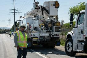 SCE Crews Insulate Power Lines to Prepare for Active Wildfire Season Image
