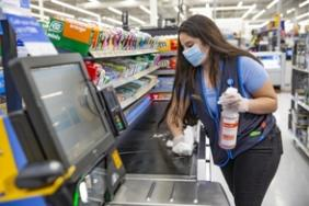 Walmart Meets Commitment to Hire 150,000 Associates, Pledges to Hire 50,000 More Image