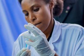 5 Latest Facts About Johnson & Johnson's Ebola Vaccine Image