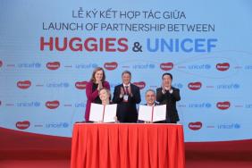 Kimberly-Clark and UNICEF Extend Huggies® 'No Baby Unhugged' Program to Vietnam Image