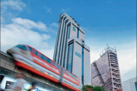 Standard Chartered Launches its 2015 Annual Report Image