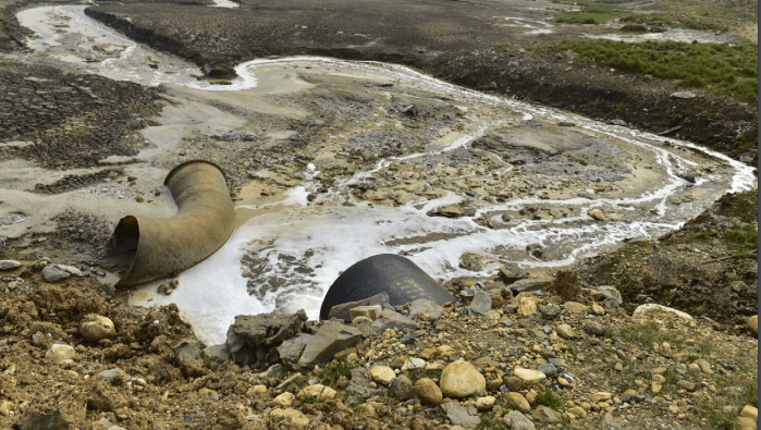 Wastewater-effluent-discharged-near-a-viscose-factory-in-China.png
