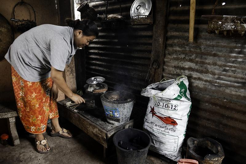 1-Using-a-clean-cookstove-in-Laos-PDR-001.jpg