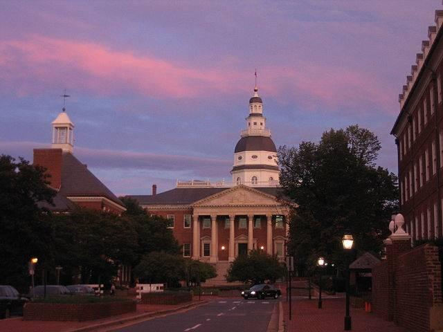 2006_09_19_-_Annapolis_-_Sunset_over_State_House.jpg