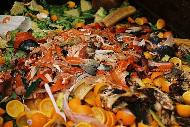 640px-GI_Market_food_waste.jpg