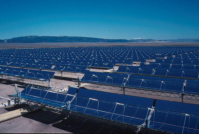 640px-Solar_Plant_kl.jpg