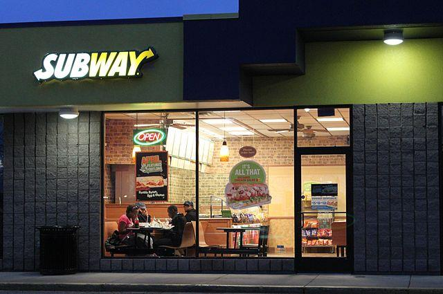 640px-Subway_restaurant_Pittsfield_Township_Michigan.jpg