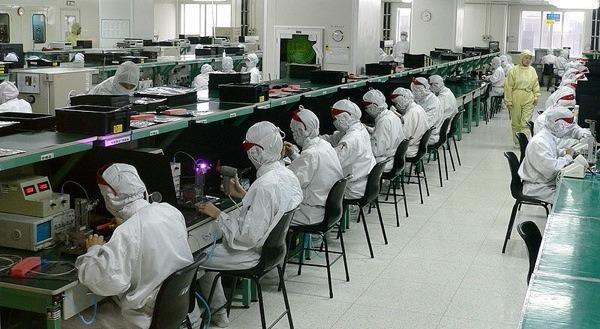 800px-electronicsfactoryinshenzhen.jpg