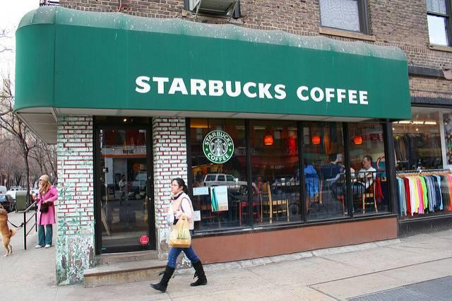 A-Starbucks-in-Manhattan.jpg