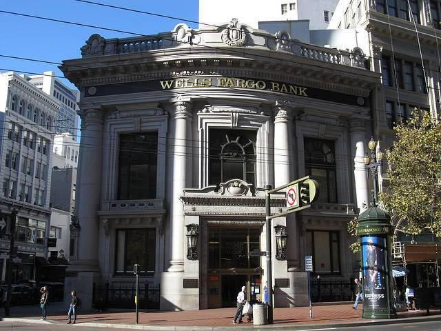 A-Wells-Fargo-branch-in-San-Francisco.jpg