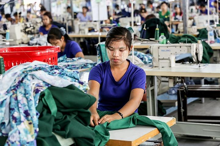 A-garment-worker-at-a-Burmese-factory.jpg