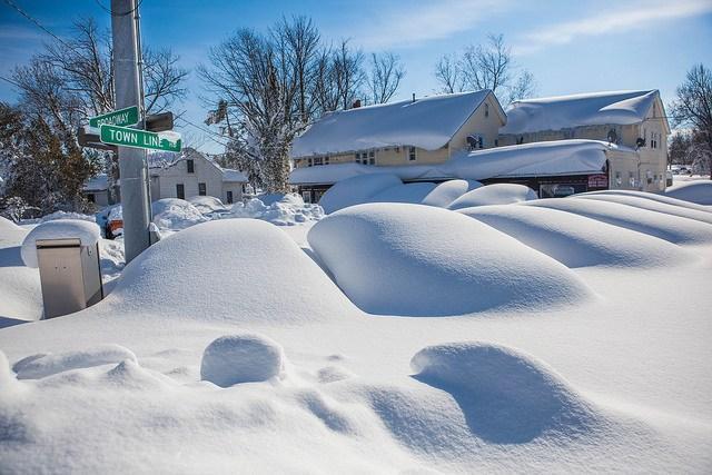 A-massive-snowfall-in-Buffalo-NY.jpg