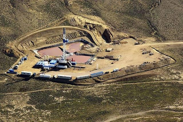 A-natural-gas-field-in-Wyoming.jpg