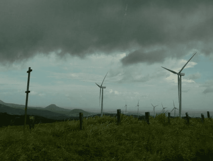 A-storms-approaching-not-that-it-matters-to-this-wind-farm.png