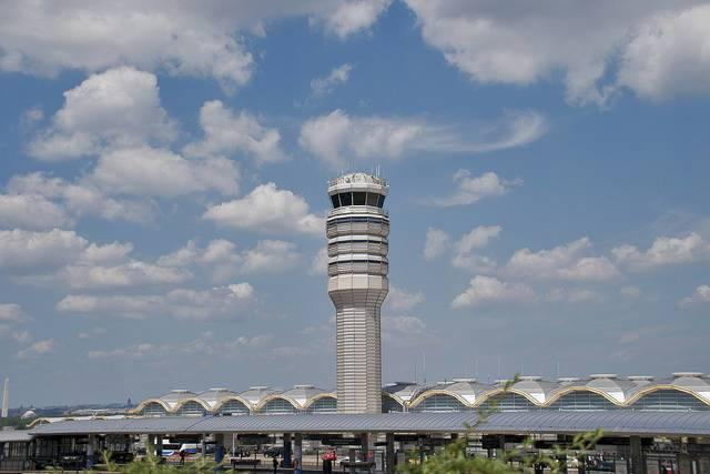 Air-traffic-control-tower-at-Washington-National-Airport.jpg