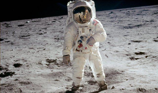 Aldrin_Apollo_11_crop.jpg