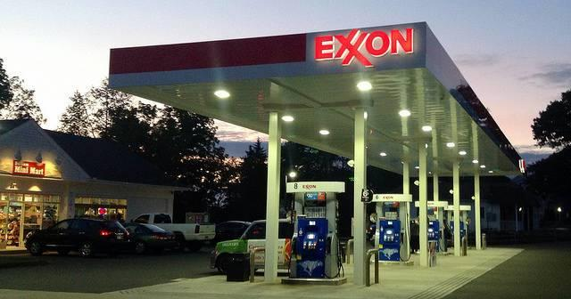 An-Exxon-service-station-in-New-England.jpg