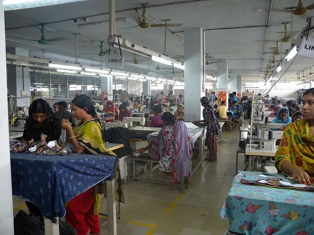 Bangladesh_HM_clothing_retailer.jpg