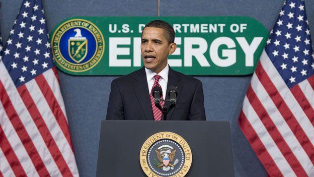 Barack_Obama_and_Environment_PresidentOffice.jpg