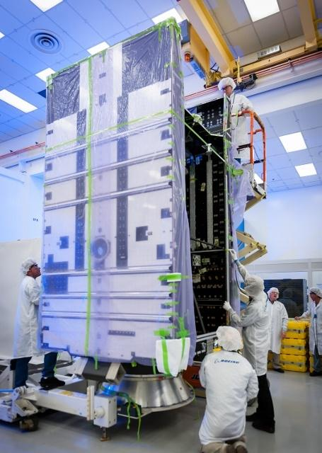 Boeing-satellite-SEF14-01424-037_RROI-455x640.jpg