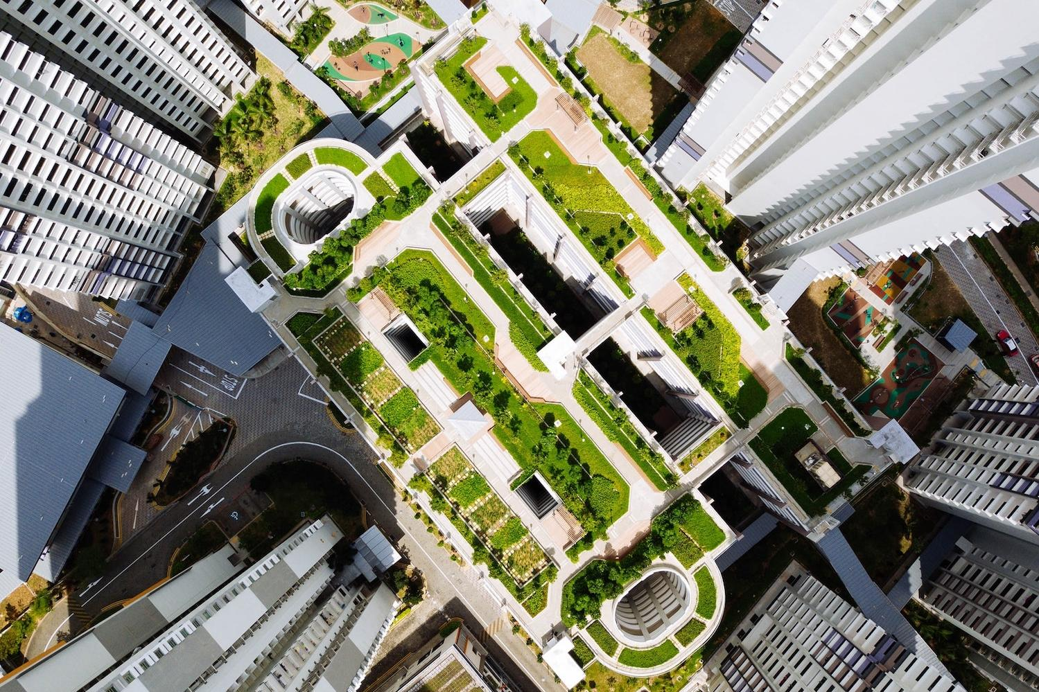 Clean Investing City Highrise and Nature