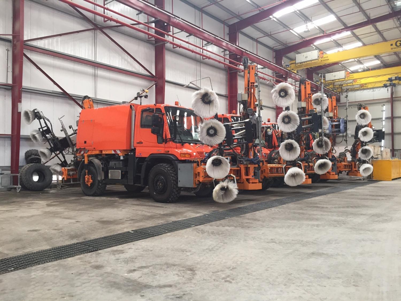 Clean-Track-Trucks.jpg