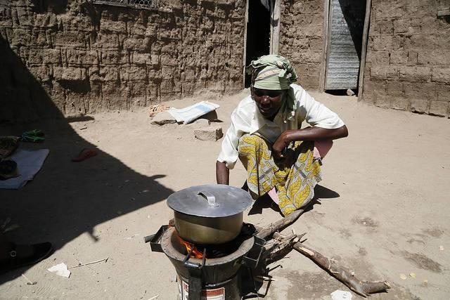 Clean-cookstoves-are-one-beneficiary-of-carbon-offset-programs.jpg