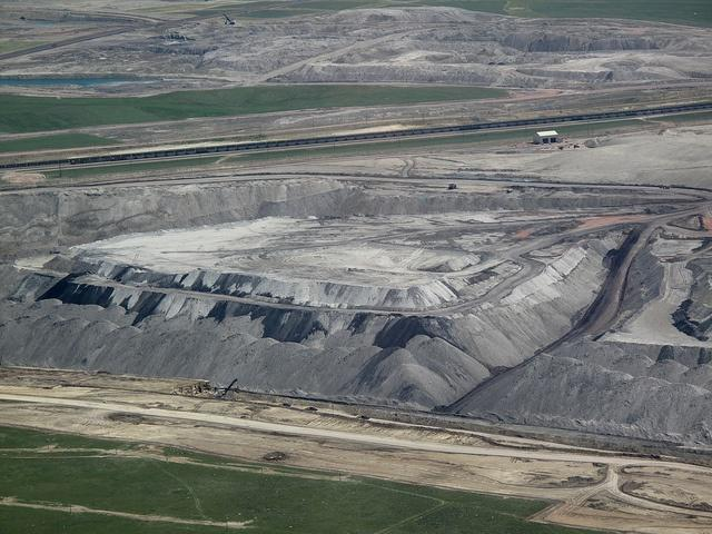 Coal-mines-in-Wyoming-have-long-made-companies-such-as-Arch-Coal-profitable-until-recently.jpg