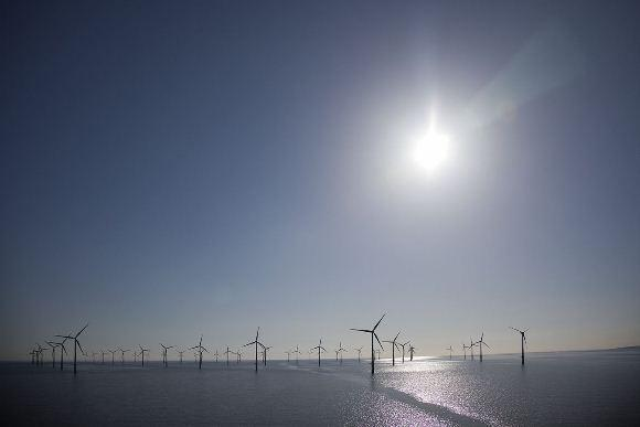 Denmark-set-a-world-record-with-wind-power-in-2014.jpg