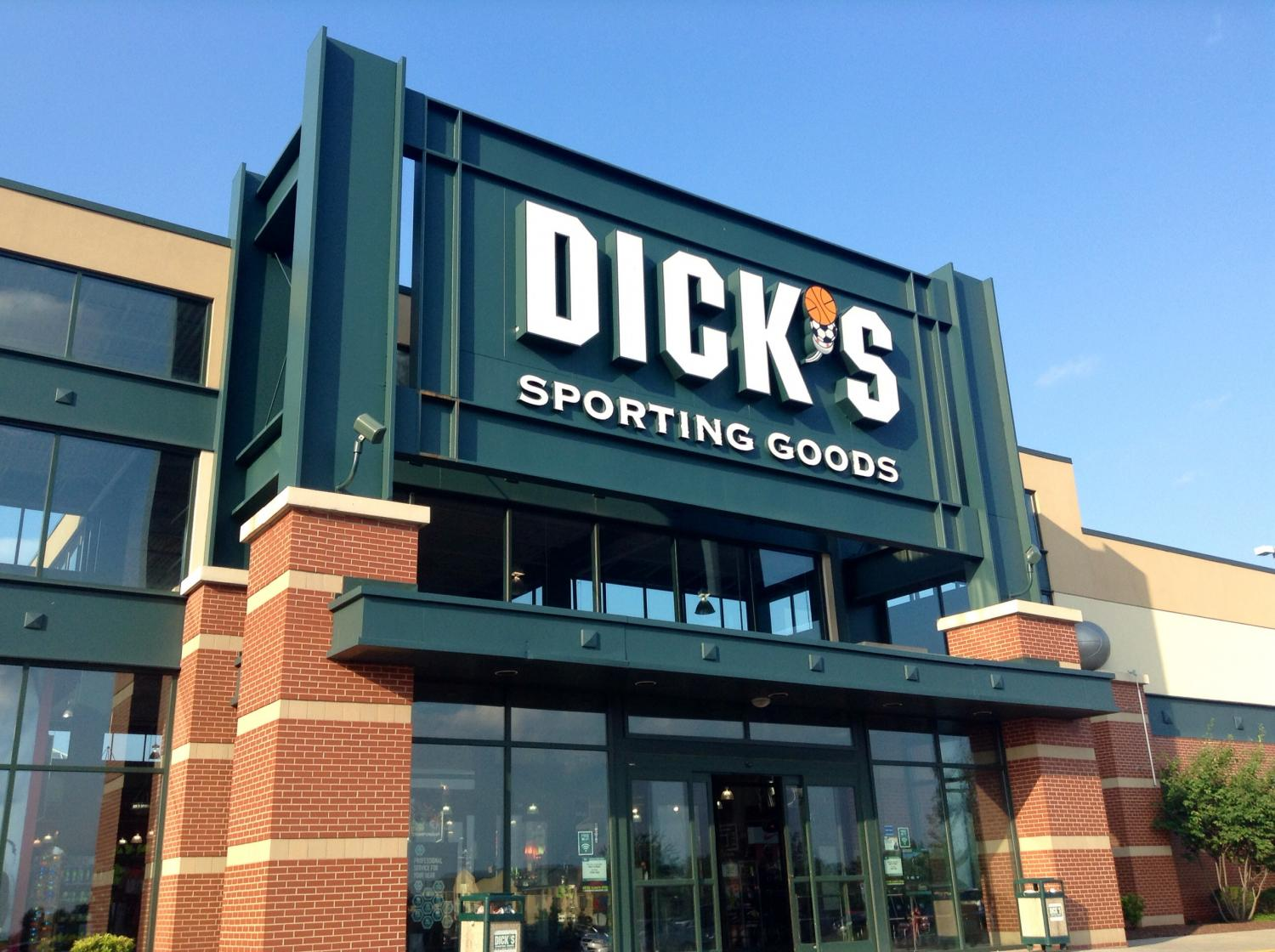 Why is the stock price of Dick's Sporting Goods trending up, even as sales have slightly declined? The retailer's decision to remove guns from more stores offers a few clues.