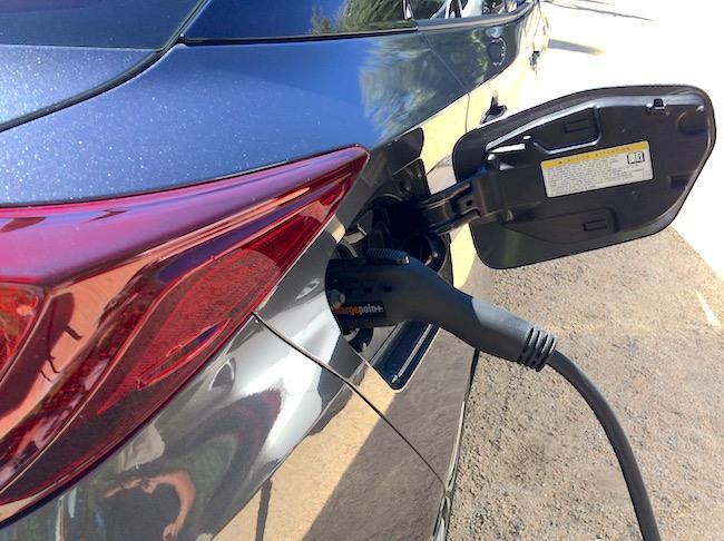 EV-Toyota-Prius-plug-in-hybrid.jpg