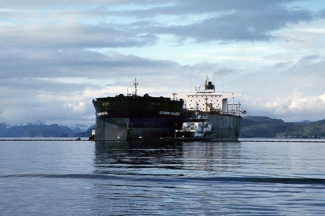 Exxon_Valdez_NOAA.jpg